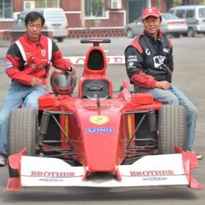 Dos hermanos y un destino. ¿Se basará Renault en su modelo para ir más rápido?